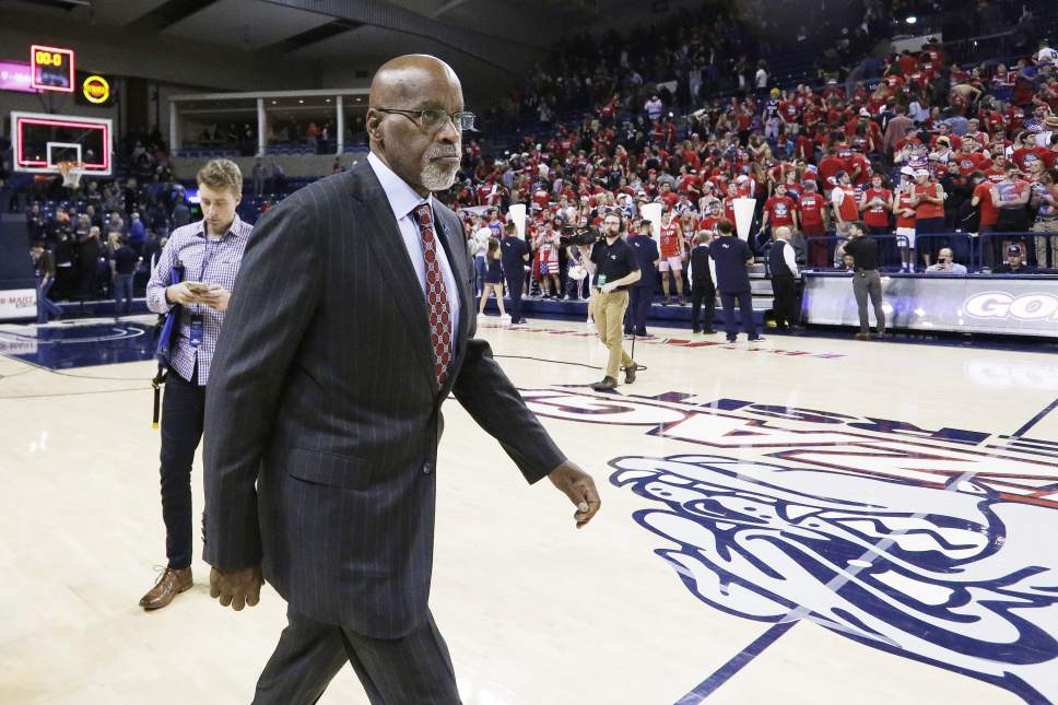 Gonzaga assistant coach Donny Daniels walks off the court after an NCAA college basketball game in Spokane, Wash., Monday, Nov. 14, 2016. (AP Photo/Young Kwak)