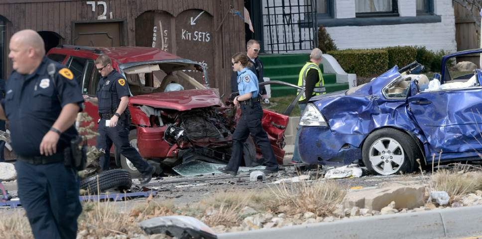 Woman, her newborn baby in critical condition after crash ...