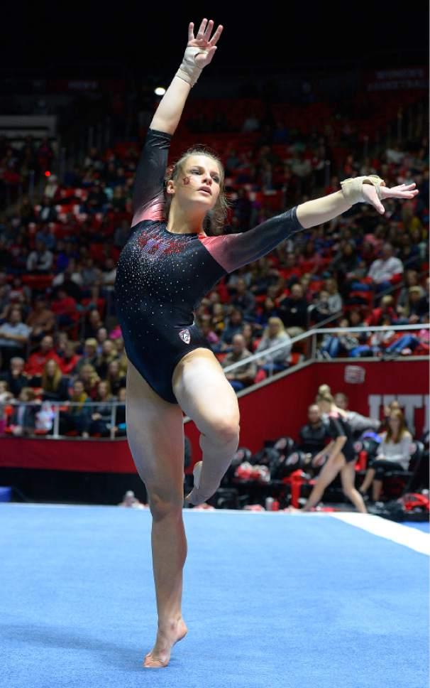 Utah Gymnastics Reinstadtler Wastes Little Time Emerging
