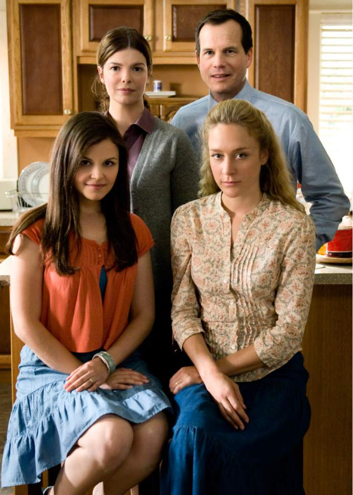 |  Courtesy  BIG LOVE: Ginnifer Goodwin, Jeanne Tripplehorn, Bill Paxton, Chloe Sevigny.