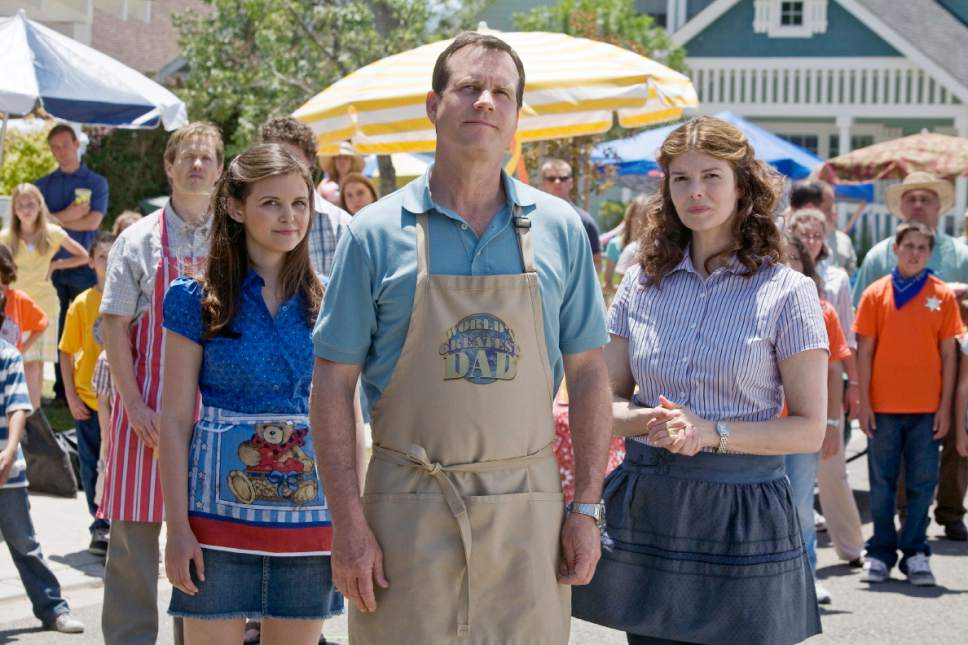 |  Courtesy  BIG LOVE: Ginnifer Goodwin, Bill Paxton, Jeanne Tripplehorn