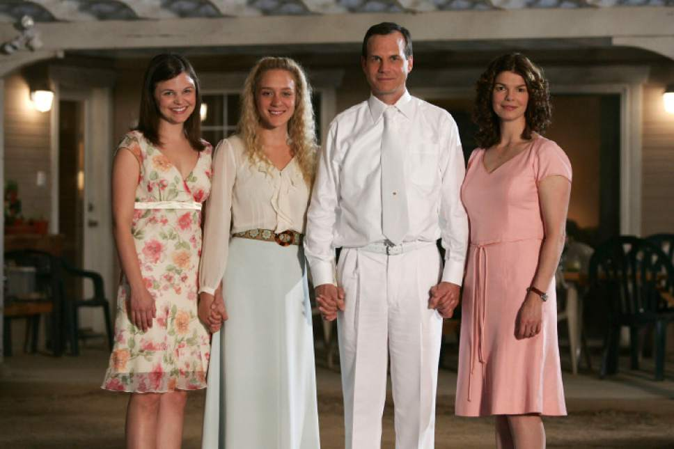 |  Courtesy  BIG LOVE5: Ginnifer Goodwin, Chloe Sevigny, Bill Paxton, Jeanne Tripplehorn.