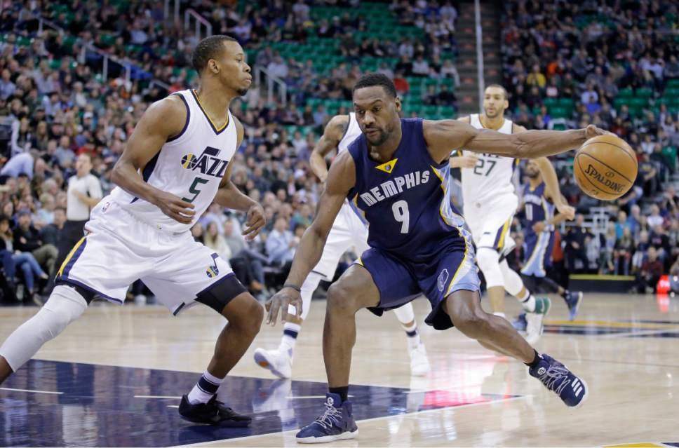 Utah Jazz guard Rodney Hood (5) defends Memphis Grizzlies guard Tony Allen (9) during the first half of an NBA basketball game Saturday, Jan. 28, 2017, in Salt Lake City. (AP Photo/Rick Bowmer)