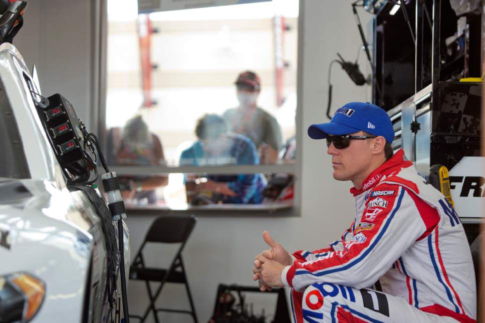 Nascar Ford A Cut Above Chevy Toyota Early In Cup Season