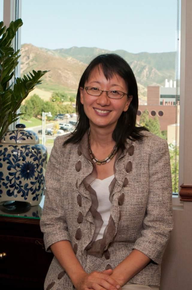 Vivian S. Le ï Dean of University of Utah School of Medicine.