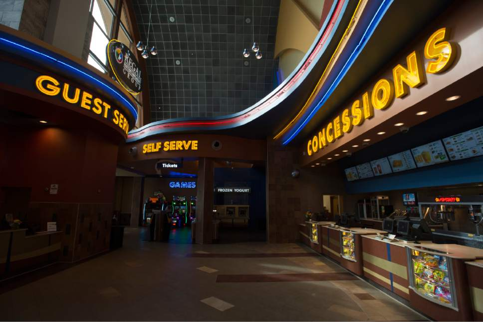 Dec 01, · 4/18/ Vic C., thank you for the feedback, and giving Regal Cinemas Crossroads 8 a 5 star rating. We will Vic C., thank you for the feedback, and giving Regal Cinemas Crossroads 8 a 5 star rating. We will pass this along to our Bellevue team, and look forward to seeing you again.4/4().