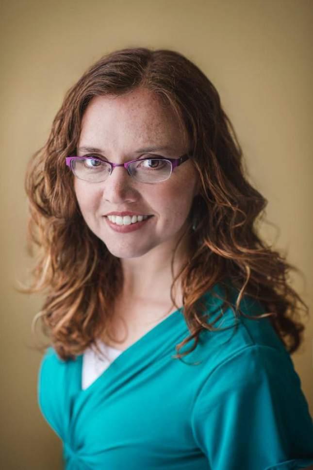 "(Courtesy Erin Summerill )  Rosalyn Eves, author of ""Blood Rose Rebellion"""