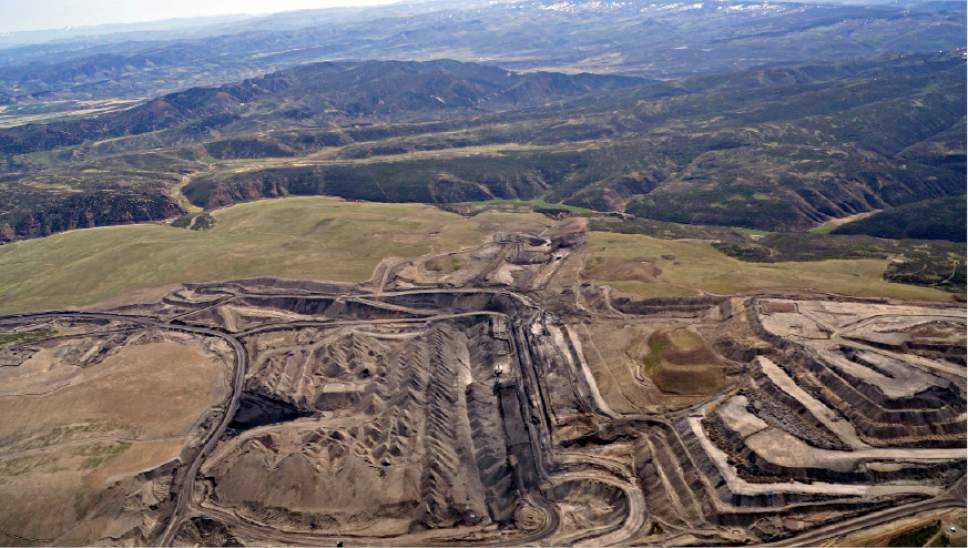 |  Courtesy of EcoFlight  Utah's Coal Hollow strip mine near Alton hopes to expand operations, tapping federal coal near its current operations, which are running out of coal. On Wednesday, the Trump administration lifted a year-old moratorium that had delayed Alton Coal Co.'s lease application.