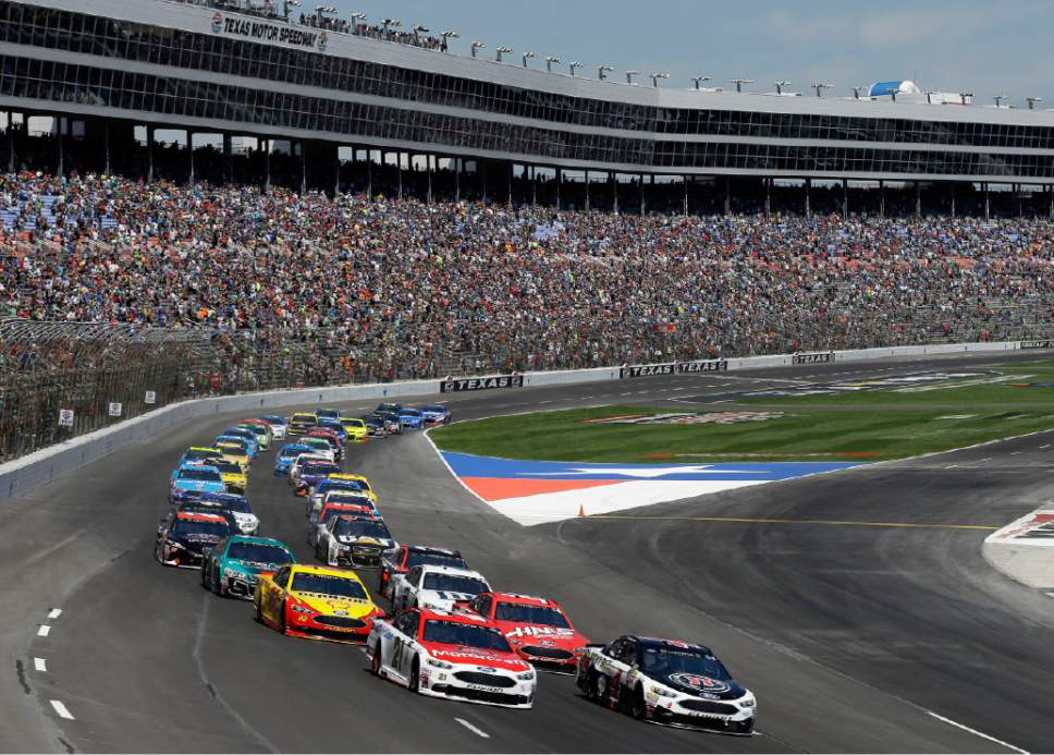 Nascar changed track same result at texas with jimmie for Nascar tickets for texas motor speedway