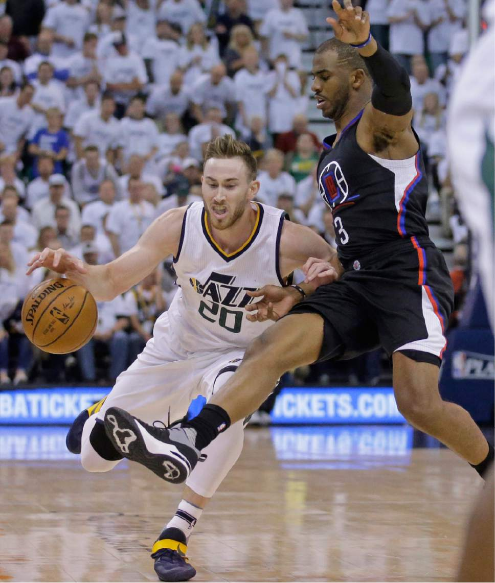 Los Angeles Clippers guard Chris Paul (3) defends against Utah Jazz forward Gordon Hayward (20) during the second half in Game 3 of an NBA basketball first-round playoff series Friday, April 21, 2017, in Salt Lake City. The Clippers won 111-106. (AP Photo/Rick Bowmer)