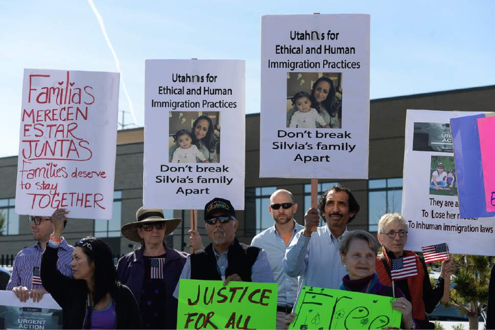Francisco Kjolseth | The Salt Lake Tribune Mormon Women for Ethical Government and other concerned citizens gather at the Department of Homeland Security field office in West Valley City in a show of solidarity for a young mother, Silvia Avelar-Flores, who was arrested by ICE agents last week.