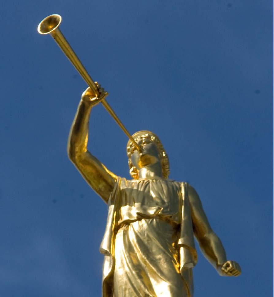 Statue of Angel Moroni Al Hartmann/Salt Lake Tribune     3/24/08