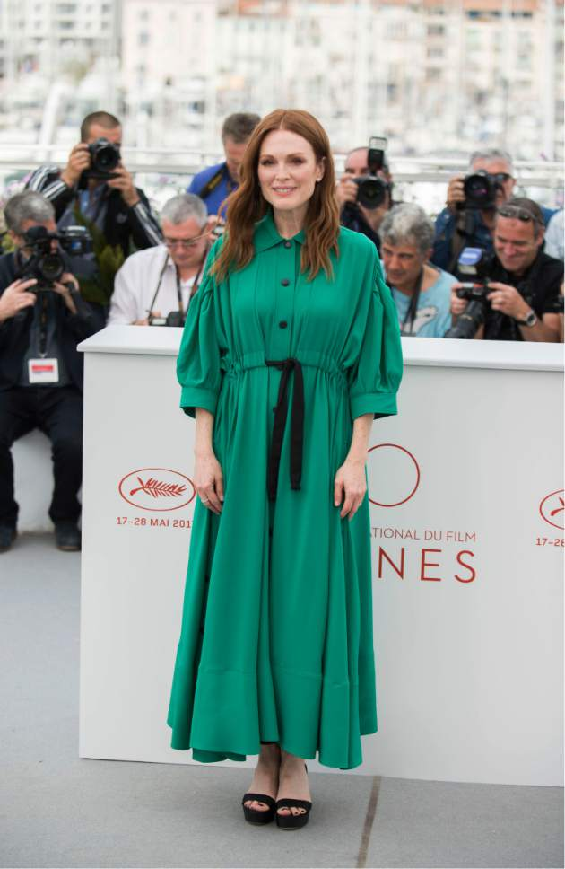 Actress Julianne Moore poses for photographers during the photo call for the film Wonderstruck at the 70th international film festival, Cannes, southern France, Thursday, May 18, 2017. (Photo by Arthur Mola/Invision/AP)