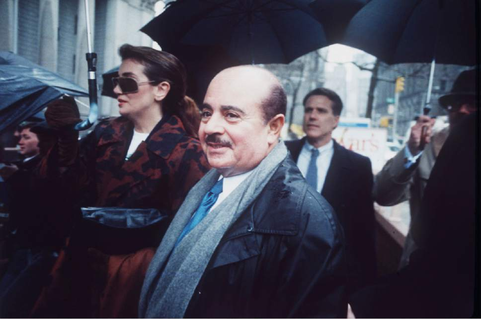 FILE - In this April 4, 1990 file photo, Adnan Khashoggi arrives at Manhatten Federal Court, New York. Saudi arms dealer Khashoggi, once one of the world's richest men who was implicated in the Iran-Contra affair, has died. He was 81 and had been suffering from Parkinson's disease, it was reported on Tuesday, June 6, 2017. (AP Photo, File)