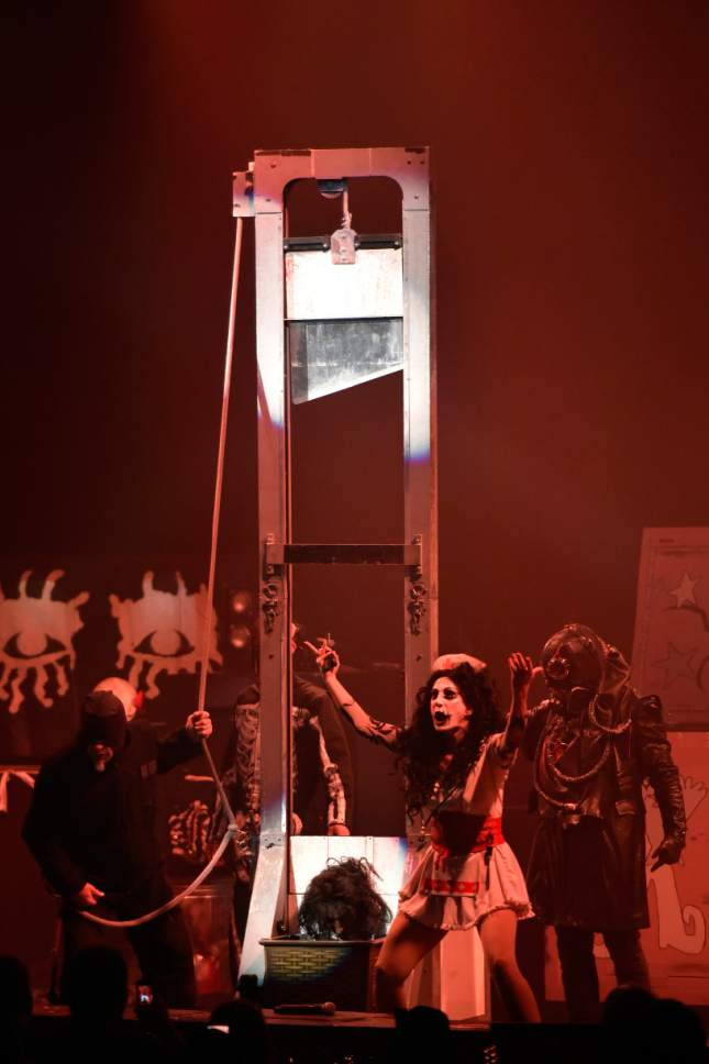 alice cooper performs during the an evening with alice cooper tour at star plaza theatre on. Black Bedroom Furniture Sets. Home Design Ideas