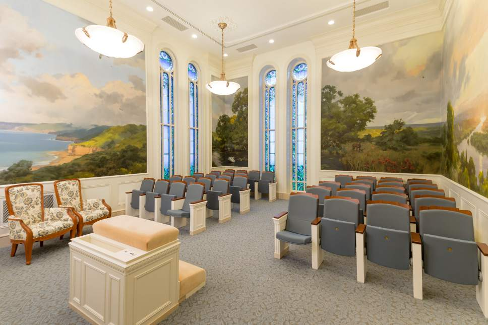 Intellectual Reserve Inc. | Courtesy of the Church of Jesus Christ of Latter-day Saints Teaching Room of the Temple of Paris