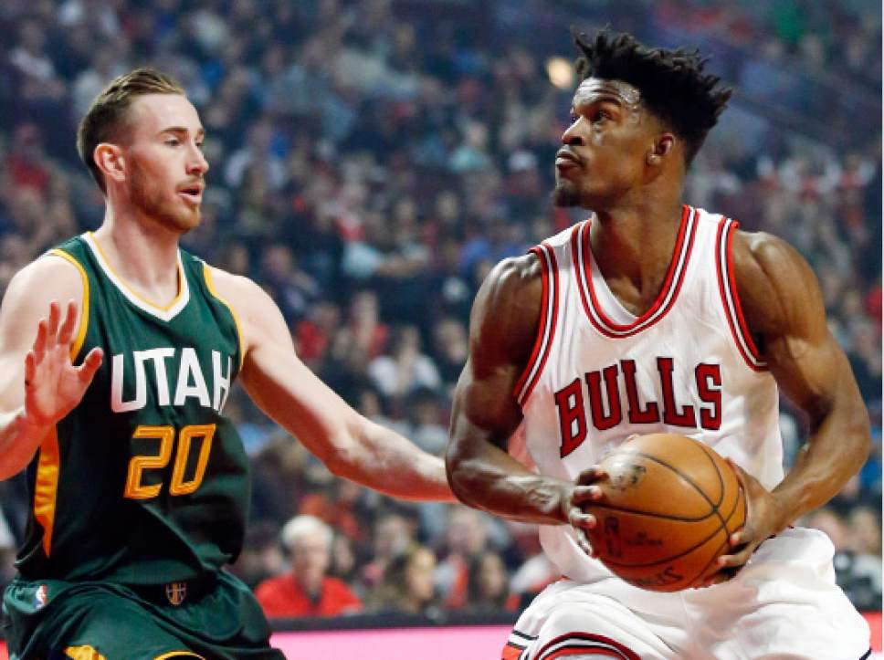 Chicago Bulls guard/forward Jimmy Butler, right, looks to the basket as Utah Jazz guard/forward Gordon Hayward guards during the first half of an NBA basketball game Saturday, March 18, 2017, in Chicago. (AP Photo/Nam Y. Huh)
