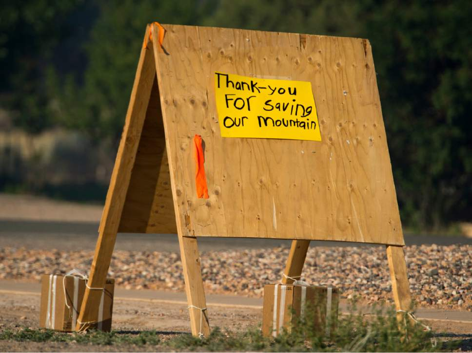 Rick Egan  |  The Salt Lake Tribune   A sign thanking fire fighters in Parowan near the road block to the road to Brian Head, Thursday, June 22, 2017.