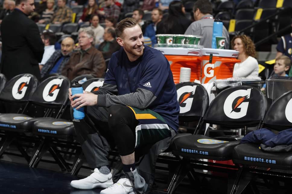 Utah Jazz forward Gordon Hayward (20) in the first half of an NBA basketball game Tuesday, Jan. 24, 2017, in Denver. (AP Photo/David Zalubowski)