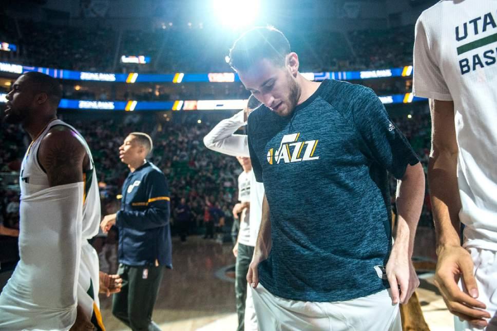 Chris Detrick  |  The Salt Lake Tribune Utah Jazz forward Gordon Hayward (20) before the game at Vivint Smart Home Arena Thursday January 26, 2017.
