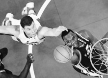 Los Angeles Clippers forward Blake Griffin, left, and Utah Jazz center Al Jefferson go after a rebound during the first half of an NBA basketball game, Wednesday, Dec. 29, 2010, in Los Angeles. AP Photo/Mark J. Terrill)