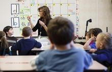 File photo  |  The Salt Lake Tribune Kindergarten teacher Pam Saltmarsh teaching in her classroom at Oak Hollow Elementary in Draper on Tuesday, Feb. 22, 2011.
