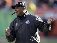 Cincinnati Bengals head coach Marvin Lewis reacts to a play in the first half of an NFL football game against the Houston Texans, Sunday, Dec. 11, 2011, in Cincinnati. (AP Photo/David Kohl)