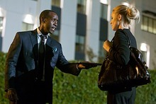 Don Cheadle as Marty Kaan and Kristen Bell as Jeannie Van Der Hooven in House of Lies (Episode 5) - Photo: Jordin Althaus/SHOWTIME - Photo ID: house_of_lies_105_0478
