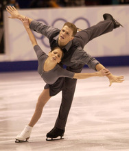 David Pelletier and Jamie Sale skate during the pairs free figure skating program at the Salt Lake Ice Center . 02/11/2002 Griffin/photo