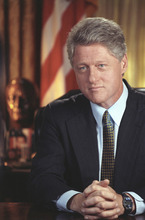 Official Portrait of President Clinton. Taken during a Health Care Radio Address Taping in the Oval Office at the White House. (August 5, 1994) Credit: Courtesy of William J. Clinton Presidential Library