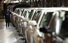 (AP Photo/Paul Sancya, file) The hiring is good news for communities around the country that saw hundreds of thousands of manufacturing jobs disappear. Starting in 2005, GM, Ford and Chrysler closed 28 factories and eliminated 88,000 jobs. Parts companies cut another 234,000.