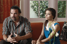 Carlos (Ricardo Antoniio Chavira) and Gabrielle (Eva Longoria) divorced and remarried during the course of