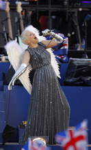 Annie Lennox performs at the Queen's Jubilee Concert in front of Buckingham Palace, London, Monday, June 4, 2012. The concert is a part of four days of celebrations to mark the 60 year reign of Britain's Queen Elizabeth II. (AP Photo/Joel Ryan)