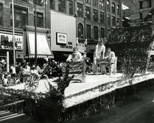 Unidentified float in the 1964 Days of '47 parade in Salt Lake City.