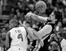 Los Angeles Clippers' Randy Foye, left, fouls Memphis Grizzlies' Marc Gasol during the first half of a NBA first-round playoff basketball game in Los Angeles, Monday, May 7, 2012. (AP Photo/Chris Carlson)