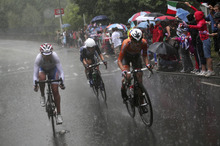 From left, Russia's Olga Zabelinskaya, Britain's Elizabeth Armitstead and the Netherlands' Marianne Vos  compete in the women's cycling road race final at the 2012 Summer Olympics on Sunday, July 29, 2012, in London. (AP Photo/Stefano Rellandini, Pool)