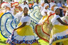 Paul Fraughton   Salt Lake Tribune Dancers  from Colombia's Grupo de Danzas Folklóricas Carmen López twirl and dance their way in the