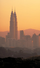 Petronas Towers    Kuala Lumpur, Malaysia Courtesy Pelli Clarke Pelli Architects