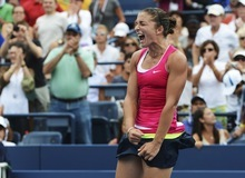 Italy's Sara Errani returns a shot to Germany's Angelique Kerber in the fourth round of play at the 2012 US Open tennis tournament,  Monday, Sept. 3, 2012, in New York. Errani won the match. (AP Photo/Henny Ray Abrams)