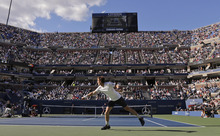 Britain's Andy Murray returns a shot to Serbia's Novak Djokovic during the championship match at the 2012 US Open tennis tournament,  Monday, Sept. 10, 2012, in New York. (AP Photo/Charles Krupa)
