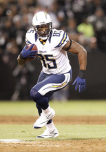 San Diego Chargers tight end Antonio Gates (85) runs against the Oakland Raiders during the first half of an NFL football game in Oakland, Calif., Monday, Sept. 10, 2012. (AP Photo/Tony Avelar)