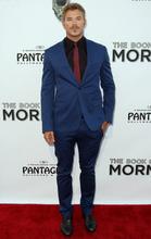 Kellan Lutz attends the West Coast premiere of