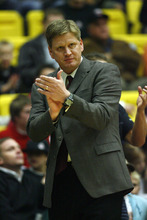 Orem, UT Utah Flash Head Coach Brad Jones reacts to a call by the officials.  The Utah Flash lose to the Dakota Wizards  99-97 in their inaugural home game at the McKay Events Center. Photo by Danny Chan La/The Salt Lake Tribune 11-27-2007
