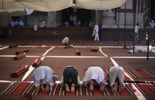 Indian Muslims offer Friday prayers at the Jama Masjid, or the Grand Mosque, in New Delhi, India, Friday, Sept. 28, 2012. The Jama Masjid is one of India's biggest mosques. (AP Photo/Altaf Qadri)