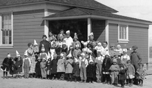 Inland Crystal Salt Company, exterior of school house and children, March 24, 1919. Courtesy Utah State Historical Society
