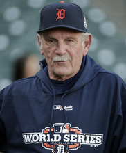Detroit Tigers manager Jim Leyland watches over a workout for baseball's World Series Tuesday, Oct. 23, 2012, in San Francisco. The Tigers play the San Francisco Giants in Game 1 on Wednesday, Oct. 24. (AP Photo/Charlie Riedel)