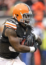 Cleveland Browns running back Trent Richardson runs for nine yards against the San Diego Chargers in the third quarter of an NFL football game Sunday, Oct. 28, 2012, in Cleveland. (AP Photo/Mark Duncan)
